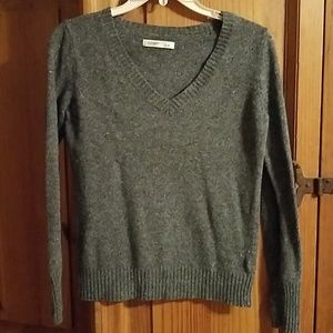 Old Navy V-neck Sweater